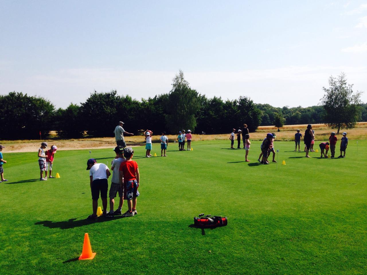 Initiation de golf dans l'Yonne